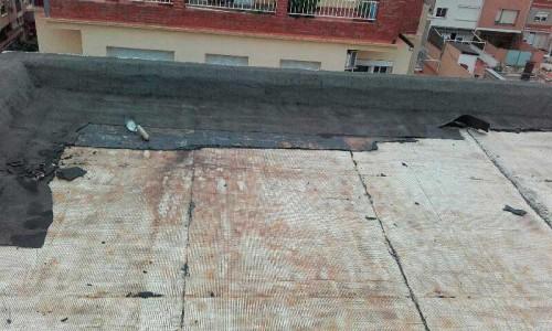 Terraza con impermeabilización antigua tela asfáltica