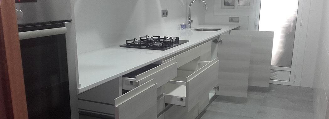 Reforma de cocina con gran capacidad de almacenaje
