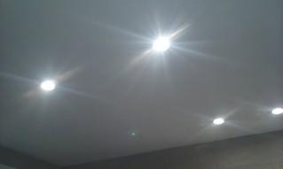 Modificación de la instalación de luz con iluminación led de 8 W unidad