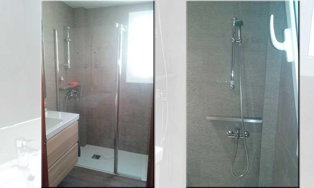 Plato de ducha a ras de suelo y mampara de baño fija