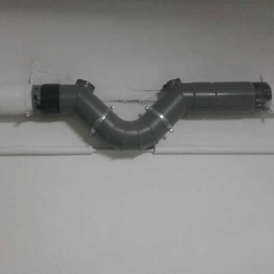 Sifón horizontal para tubo de 160 mm. Manipulado y con registro en ambos sentidos para su correcto mantenimiento