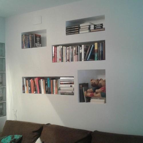 Estanterías decorativas encastradas en paredes de pladur