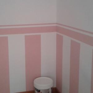 Pintamos una habitación infantil, con arrimadero pintado