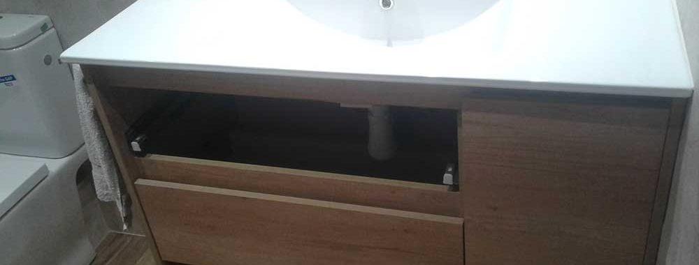 Modelo de mueble de baño es el Manhatan Nature de Geminis con guias autocierre
