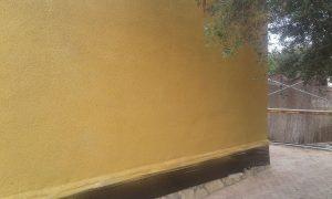 Acabado estético en fachada corcho proyectado